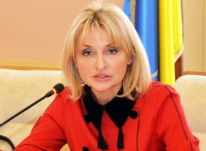"""Ірина Луценко: """"Згадую один з літніх днів 2014 року, коли збирала сина на війну. Зашивала у форму таблетки-гормони… Міг не йти – за таку хворобу в армію не беруть категорично… Юра просто не спав."""""""