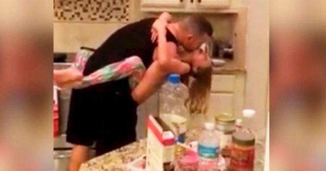 Дружина думала, що чоловік з донькою готують вечерю, зайшла на кухню і сильно отетеріла