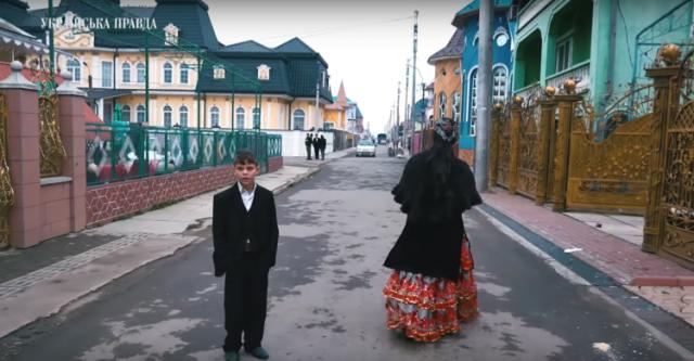 Заміж в 12, скучають за Януковичем і Московські гроші: як живуть найбагатші цигани України. ВІДЕО