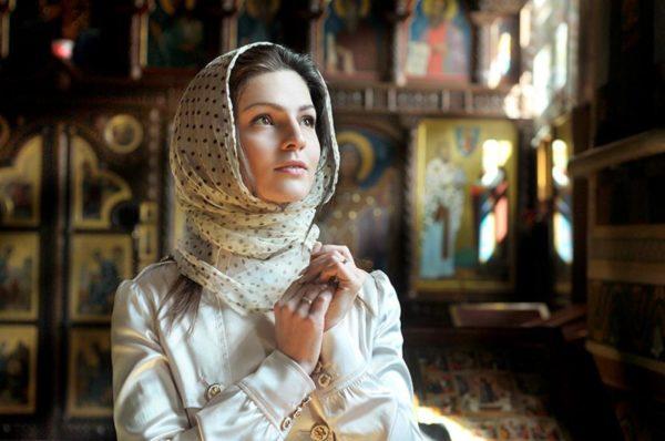 Молитва до Богородиці після якої всі проблеми з сім'ї просто йдуть