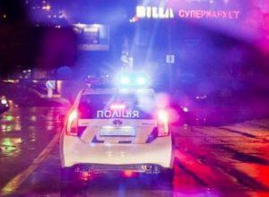 Терміново! Пожежа! Активісти підпалили магазин Roshen в Києві