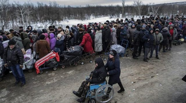 Почалось! Прямо зараз в Донецьку почалось відбуватись щось незрозуміле. Знаєте куди всі йдуть?