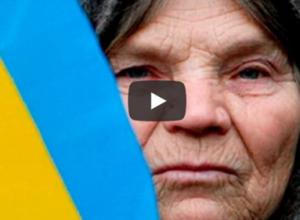 Старенька бабуся додзвонилася на політичну телепередачу. У ведучих був ш0к від її слів. ВІДЕО