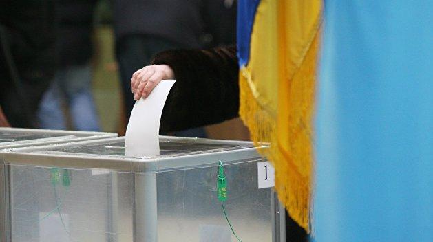 За фото у виборчій кабінці – до 3 років ув'язнення. Нові правила голосування..
